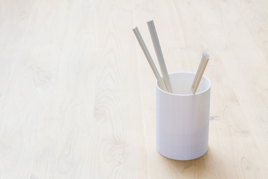 お店自動化計画。箸が減ってきたらお知らせしてくれる箸立てを作ってみた。